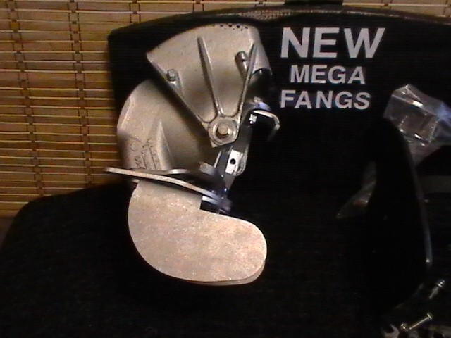 MEGA FANGS installed as a Stand-alone steering mod
